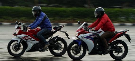 Dalam pengertian sederhana, perbedaan desain penampilan Yamaha R15 dan