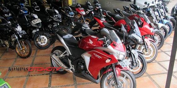 Yamaha R15 dan R25 Pengaruhi Pasar Sepeda Motor Sport Bekas